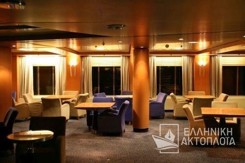 upper disco lounge2