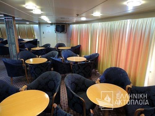 upper lounge3