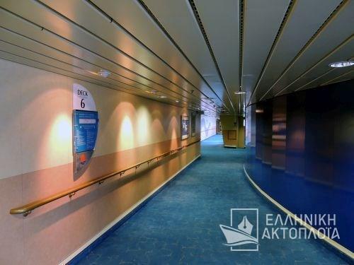 Ikarus Palace - Deck 6 - Passageway