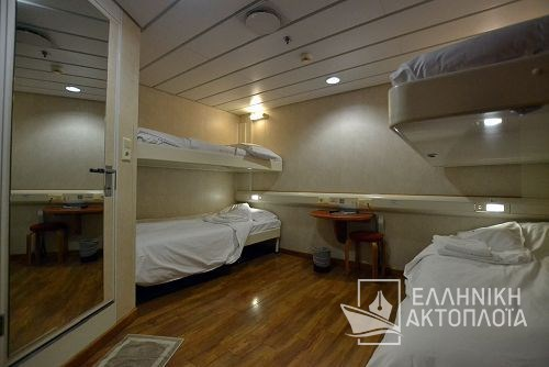 4bed inside cabin deck10a
