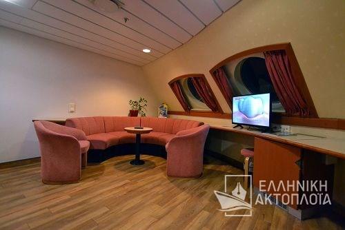 lux cabin deck10