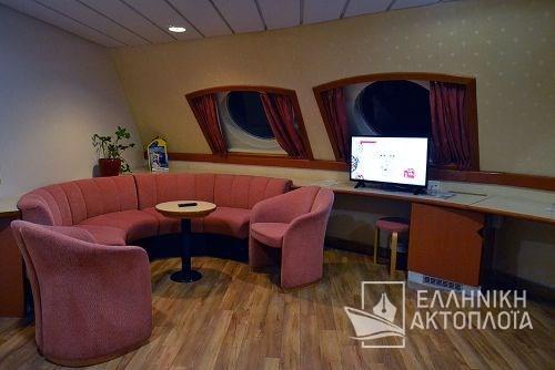 lux cabin deck10a