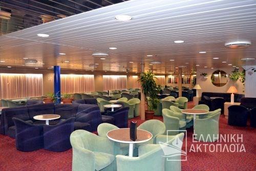 economic class lounge10
