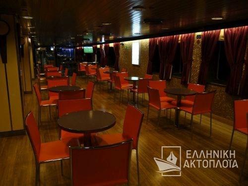 agora lounge deck 5-4