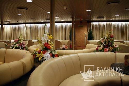 aphrodite lounge6