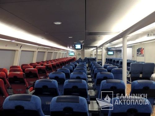 economy class-front passenger saloon3