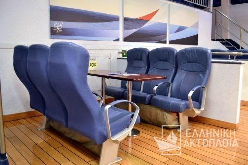 economy class-passenger saloon4