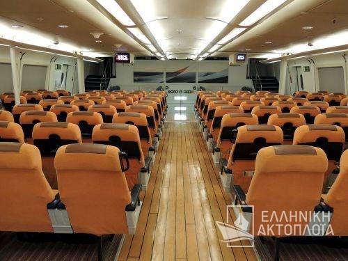 economy class-passenger saloon6