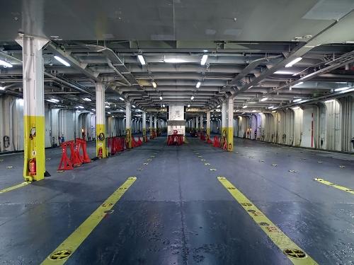 Nissos Samos-Garage-Embarkation