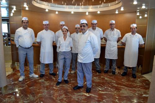 chef-kitchen-staff