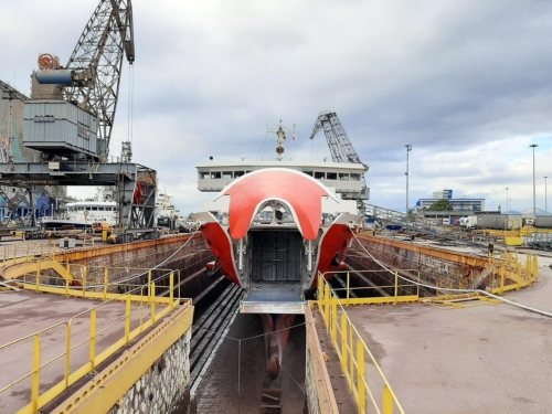 Hermes (ex.Ferry Tsurugi) - Dry Docking