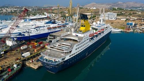 Saga Pearl II (ex.QUEST FOR ADVENTURE - SAGA PEARL II - ASTORIA)-Dry Docking
